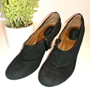 Clarks Artisan Leather Black Heels Size 8.5 Narrow